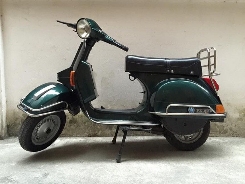 rent vintage Vespa px